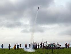 Astronomicko - kosmonautický tábor, pouštění raket